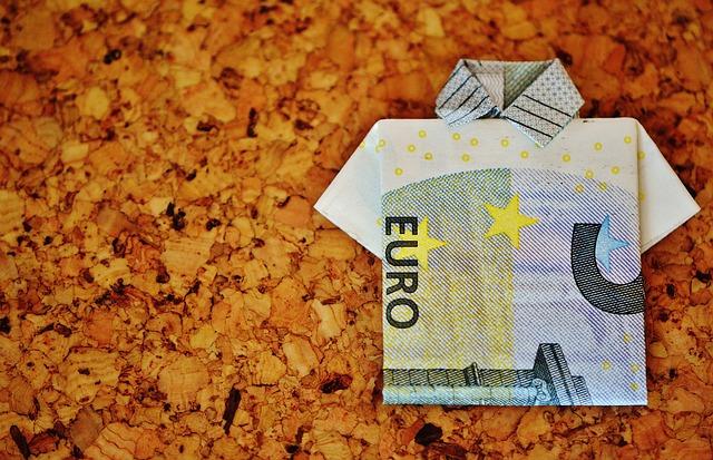 peníze euro.jpg