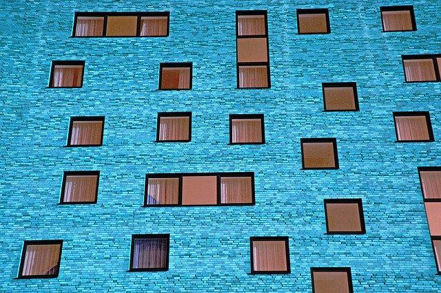 Prečo vyberať práve hliníkové okná?